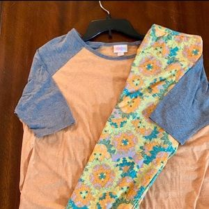 Lularoe outfit xs irma and os leggings